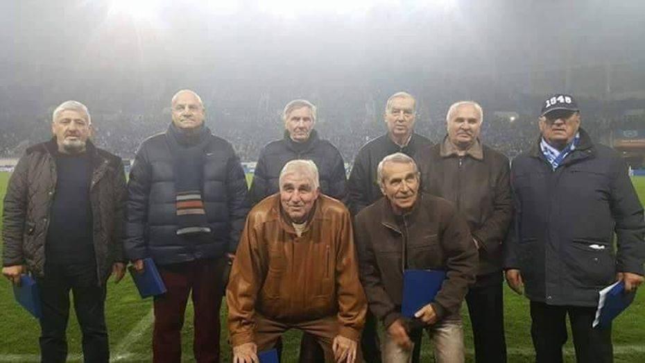 Permalink to Niște oameni bătrâni pe iarba Craiovei