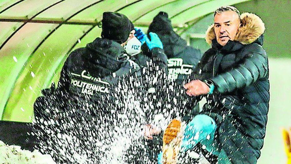 Permalink to Gerul într-o istorie a fotbalului românesc