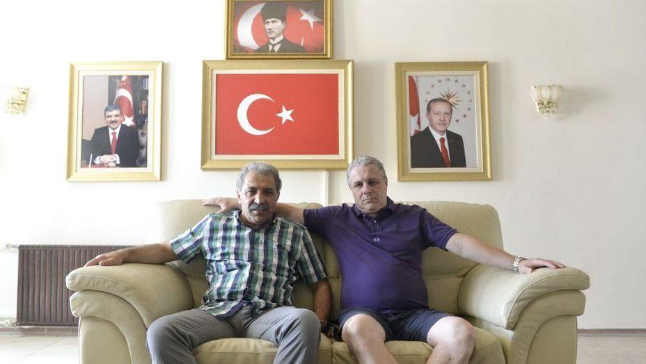 Permalink to Buzele pe papucul lui Erdogan și reciclarea lui Ianis Hagi