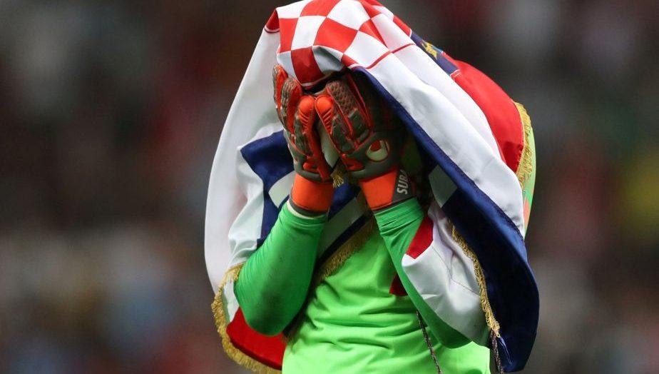 Permalink to Croații plâng. Dar sunt lacrimi de fericire