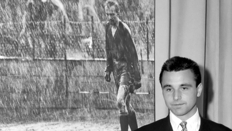 Permalink to Portretul portarului plouat
